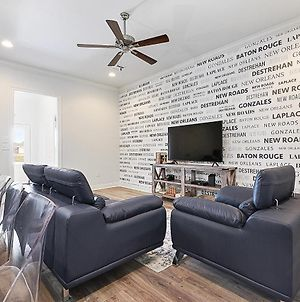 Everything You Need Near Lsu By Poree Homes-Community Pool Access photos Exterior