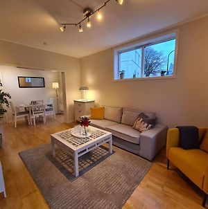 City Center Hill - Lovely 2-Bedroom, Amazing Location photos Exterior