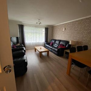 Stunning City Centre Apartment With Free Parking! photos Exterior