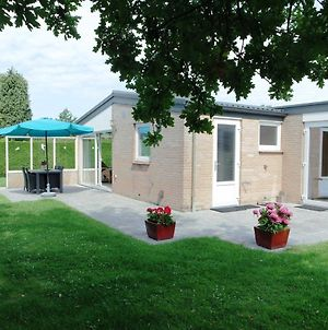 Beautiful Bungalow In Kamperland With Private Garden photos Room