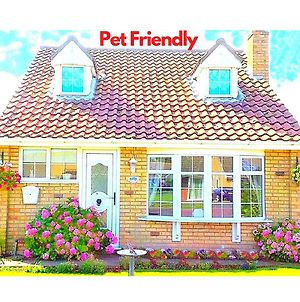 Coconut Cottage - Sutton On Sea - Near Beach! Pet Friendly - Free Parking & Wifi - Perfect For Families & Couples photos Exterior
