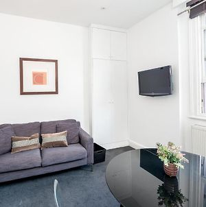 Cosy 1-Bed Flat On King'S Road In Chelsea, West London photos Exterior