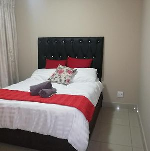 Stunning Apartment In The Heart Of Umhlanga photos Exterior