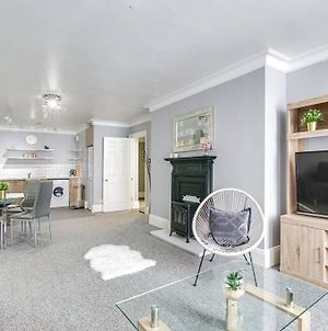 Lovely, Spacious 1 Bed Flat Near New St Station photos Exterior