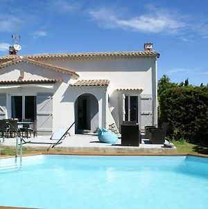 Roofed Villa In Provence With Fantastic Pool And Terrace photos Exterior