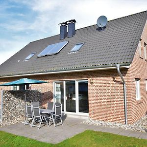 Scenic Holiday Home In Zierow Near Seabeach, Golf Course photos Exterior