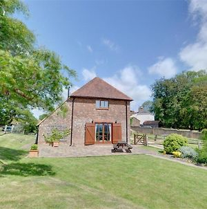 Beautiful Holiday Home In Brede Kent With Fireplace photos Exterior