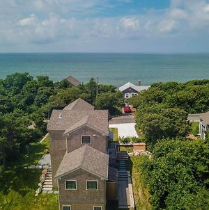 424 Gorgeous Architectural Home With Water Views Steps From Private Beach photos Exterior