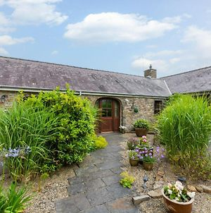 Charming Holiday Home In Haverfordwest With Barbecue photos Exterior