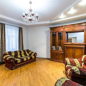 Family Apartment With Free Parking photos Exterior