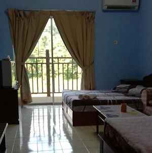 Homestay Suria Apartment Bukit Merah photos Exterior
