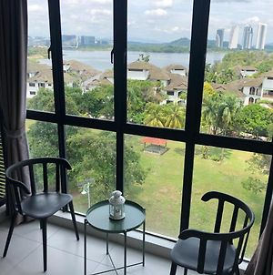 White Haven Duplex Suites With Exclusive Cyberjaya Lake View photos Exterior