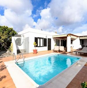 Pretty Holiday Home In Playa Blanca With Private Pool photos Exterior