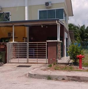 Homestay Firzana photos Exterior