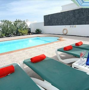 Villa In Playa Blanca Sleeps 4 Includes Swimming Pool And Wifi photos Exterior