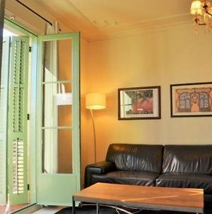 Apartment In Barcelona Sleeps 5 Includes Air Con 7 0 photos Exterior