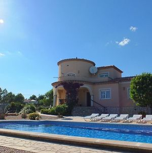 Villa Oasis 4Bedroom Villa With Air-Conditioning & Large Private Swimming Pool photos Exterior