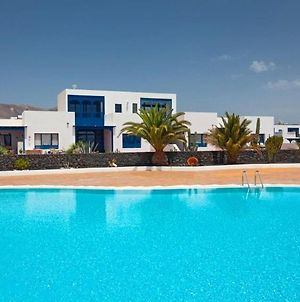 Puerto Calero Apartment Sleeps 2 With Pool And Air Con photos Exterior