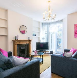 Lovely, Spacious & Inviting 5Bed House W/ Parking - Redcliffe House photos Exterior