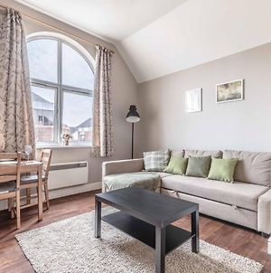 Cosy Central Windsor Apartment & Free Parking! photos Exterior