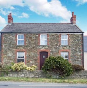 Stunning New 4 Bed Cottage Heart Of Pembrokeshire photos Exterior