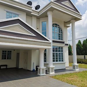 Worthy Bungalow House In Klang, Bukit Tinggi 1 photos Exterior