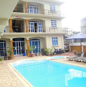 Studio In Pointe Aux Piments With Shared Pool Balcony And Wifi 200 M From The Beach photos Exterior