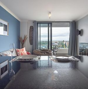 Tranquil, Spacious, Quiet Trendy With A View photos Exterior