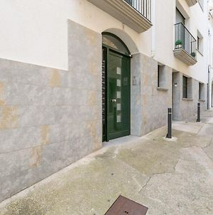 Welcoming Apartment Situated Only 25M From Escala Beach! photos Exterior