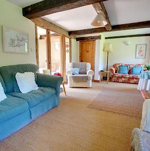 Traditional Cottage In West Somerton With Garden photos Exterior