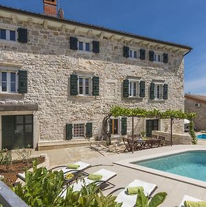 Stone House With Private Pool For 10 People, Near Porec photos Exterior