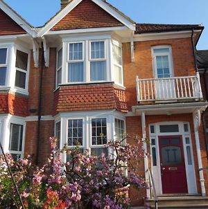 Family 4-Bed House In Bexhill-On-Sea photos Exterior