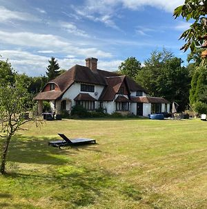Chichester Retreat With Large Private Mature Garden photos Exterior