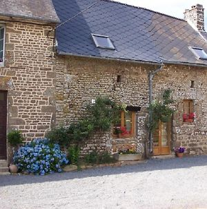 Beautiful 3-Bed Cottage In Passais-Villages photos Exterior