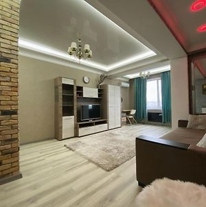 Luxury Apartment ,Near The Park.Super Price! photos Exterior
