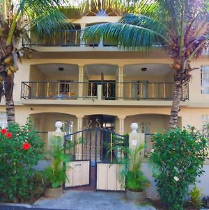 Apartment With 3 Bedrooms In Trou Aux Biches With Shared Pool Furnished Balcony And Wifi 1 Km From T photos Exterior