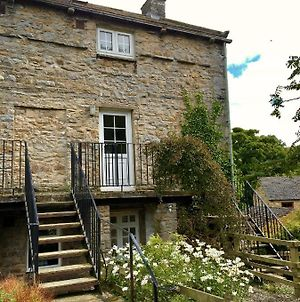Wonderfully Scenic And Comfortable Dales Mill Property photos Exterior