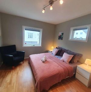 Bright And Central 2-Bedroom Apartment With King Bed, Fully Equipped photos Exterior