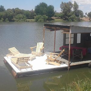 Boat And Bed photos Exterior