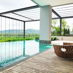Urban Escapes - Bell Suites, Sepang With Open Pool Access photos Exterior