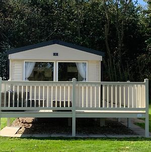 Modern, Spacious 2 Bedroom Caravan - Thorpe Park Haven, Cleethorpes photos Exterior