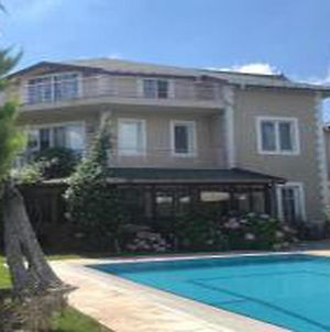 Charming Villa With Private Pool And Garden In Gebze photos Exterior
