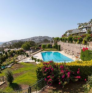 3 Bedroom House With Sea View & Shared Pool In Bodrum photos Exterior