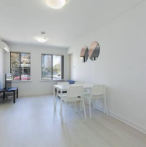 Perfect Location Unit In South Perth photos Exterior