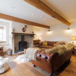 **New For 2020** Recently Renovated Stunning Cottage With Log Burner photos Exterior