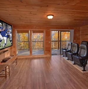 6 Bedroom Cabin With A Great View And Theater Room photos Exterior