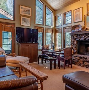 Northwood Home - New Listing - Luxury Home With Room For The Family photos Exterior