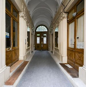 New And Renovated Amazing Flat In Heart Of Paris photos Exterior