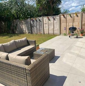 5 Bed, Family Friendly House, 10 Mins To Beach photos Exterior