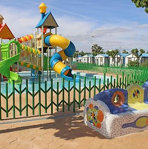 Family Camping With Water Park In Summer Season photos Exterior